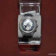 swatch world is not enough 007 crono , caja plástico , visel aluminio , correa caucho AFM