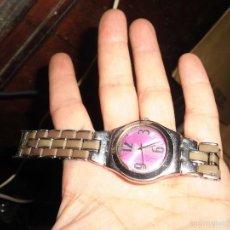Relojes - Swatch: RELOJ SWATCH DE PULSERA SEÑORA CREO NECESITA BATERIA DE ANTIGUO TALLER DE RELOJERIA. Lote 58387281