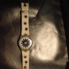 Relojes - Swatch: SWATCH MIGRAINE 1998 SIN USO PERO A VECES NO FUNCIONA DEBE DE TENER ALGO FLOJO O LA PILA. VER FOTOS. Lote 84662872