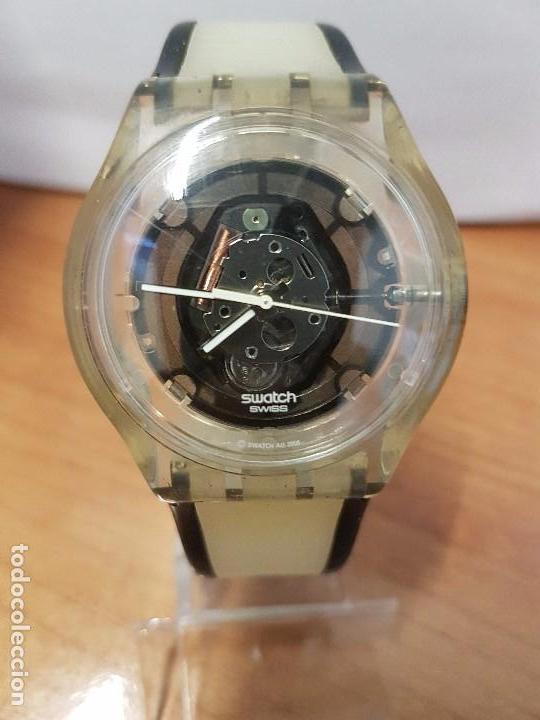 d03dc2556fe6 Relojes - Swatch  Reloj de pulsera SWATCH maquina vista de cuarzo  funcionando para su uso