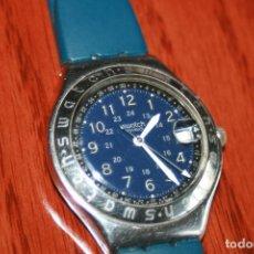 Relojes - Swatch: RARO RELOJ SWATCH AG 1993 IRONY ESFERA CON FECHA, DIA, 12 Y 24 HORAS EN AZUL CON AGUJAS EN BLANCO. Lote 100140607