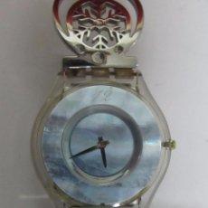Relojes - Swatch: RELOJ SWATCH DE CUARZO CON ESFERA NACARADA. Lote 103597715