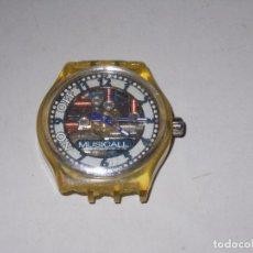Relojes - Swatch: RELOJ SWATCH MUSICAL SWISS MADE, SIN PROBAR, PARA PIEZAS. TIENE ROTOS LOS SOPORTES DE LA CORREA. Lote 114525071