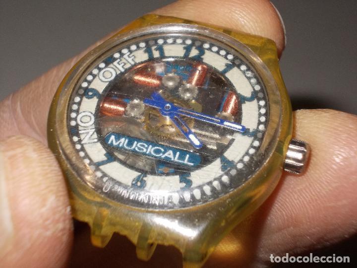 Relojes - Swatch: Reloj Swatch musical Swiss made, sin probar, para piezas. Tiene rotos los soportes de la correa - Foto 2 - 114525071