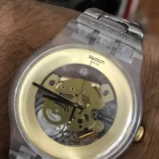 Relojes - Swatch: SWATCH QUARTZ DORADO CON CORREA DE ACERO INOXIDABLE SWISS MADE. Lote 132485461