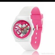 Relojes - Swatch: SWATCH SAN VALENTÍN 2013. Lote 135649367