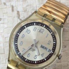 Relojes - Swatch: RELOJ SWATCH DOBLE CALENDARIO,CORREA FLEXO, 35 MM ESFERA SIN CONTAR CORONA, VINTAGE, ESCASO.. Lote 137627142