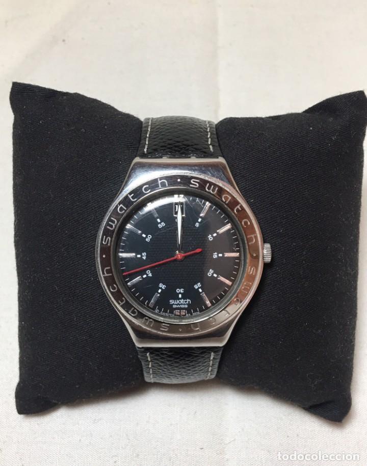RELOJ SWATCH IRONY STAINLESS STEEL CON CORREA ORIGINAL - CALENDARIO - FUNCIONANDO (Relojes - Relojes Actuales - Swatch)
