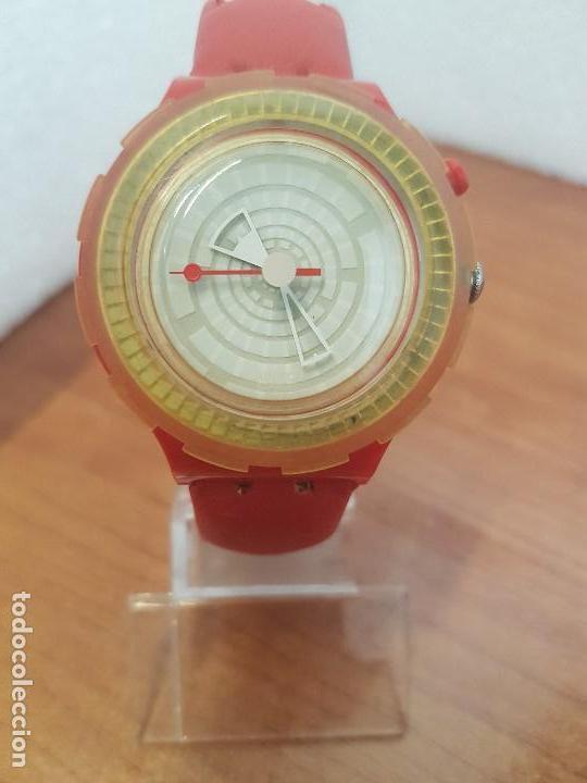 c12d3597895f Reloj unisex de cuarzo SWATCH. Suizo caja de silicona roja, bisel  giratorio, correa no original