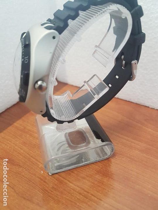 Relojes - Swatch: Reloj caballero (Vintage) SWATCH Iron y Scuba 200 de cuarzo con correa silicona no original Swatch - Foto 6 - 154623718