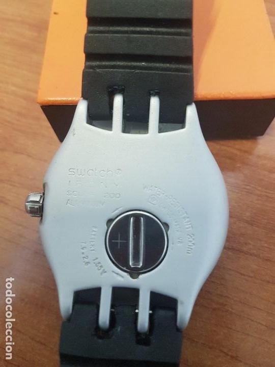 Relojes - Swatch: Reloj caballero (Vintage) SWATCH Iron y Scuba 200 de cuarzo con correa silicona no original Swatch - Foto 11 - 154623718