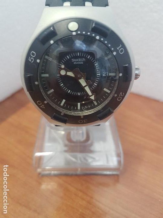 RELOJ CABALLERO (VINTAGE) SWATCH IRON Y SCUBA 200 DE CUARZO CON CORREA SILICONA NO ORIGINAL SWATCH (Relojes - Relojes Actuales - Swatch)