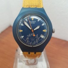 Relojes - Swatch: RELOJ UNISEX SWATCH IRONY DE CUARZO SUIZO CORREA ORIGINAL AMARILLA, FUNCIONANDO PARA SU USO DIARIO. Lote 157859950