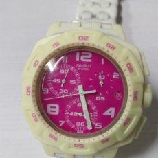 Relojes - Swatch: RELOJ SWATCH SWISS BLANCO CON ESFERA ROSA FUNCIONANDO. Lote 175129543