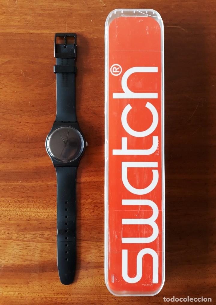 RELOJ SWATCH MODELO BLACK REBEL. MUY BUEN ESTADO (Relojes - Relojes Actuales - Swatch)