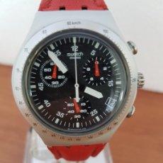 Relojes - Swatch: RELOJ CABALLERO SWATCH IRONY CRONO DE CUARZO SUIZO CORREA ROJA, FUNCIONANDO PARA SU USO DIARIO. Lote 200748176