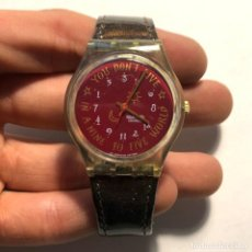 Relojes - Swatch: RELOJ SWATCH - 1991 KARABURUN - YOU DON'T LIVE IN 9 TO 5 - EDICIÓN LIMITADA - FUNCIONANDO / N-9432. Lote 184114916