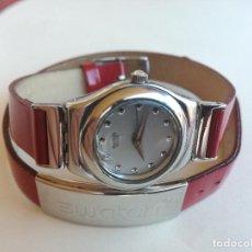 Relojes - Swatch: RELOJ DE MUJER SWATCH IRONY CORREA DE PIEL LARGA DOBLE PULSERA - FUNCIONANDO. Lote 193445703