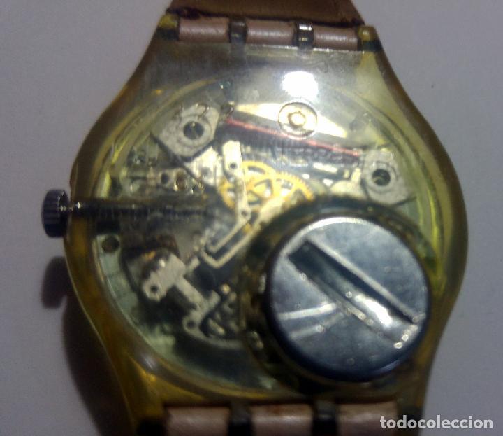 Relojes - Swatch: Reloj swatch 4x3,5cms. Con Calendario Swiss. Correa original de piel - Foto 3 - 194507918
