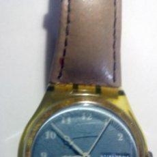 Relojes - Swatch: RELOJ SWATCH 4X3,5CMS. CON CALENDARIO SWISS. CORREA ORIGINAL DE PIEL. Lote 194507918