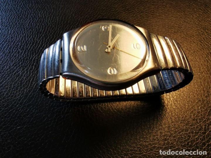 Relojes - Swatch: RELOJ DE PULSERA SWATCH SWISS, PULSERA ANATOMICA METALICA - FUNCIONANDO - Foto 2 - 206352810