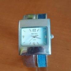 Relojes - Swatch: ELEGANTE RELOJ PARA DAMA MARCA *ALBERTO FIORO* , AZUL Y PLATA. Lote 218290476