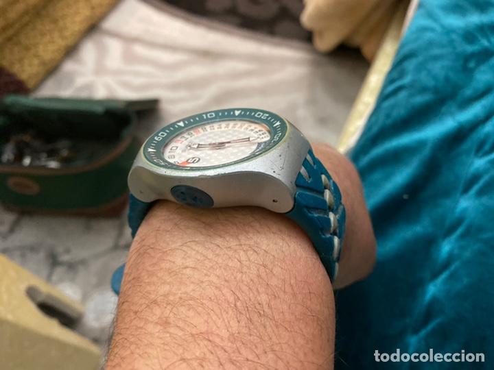 Relojes - Swatch: Reloj años 90 Swatch Rip Tide (SUGM102) fun scoba con resistencia al agua (200 metros / 650 pies) - Foto 16 - 229127726