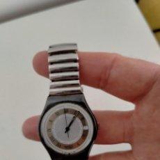 Relojes - Swatch: RELOJ DE PULSERA METÁLICA SWATCH. Lote 262982400