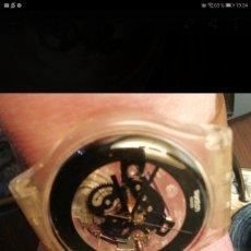 Relojes - Swatch: RELOJ SWATCH TRANSPARENTE COLOR AMARILLO SUAVE Y TRANSPARENTE SIN USAR. Lote 277517538