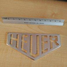 Relojes - Tag Heuer: HEUER. LOGO DECORATIVO PROCEDENTE DE CONCESIONARIO.. Lote 205672705