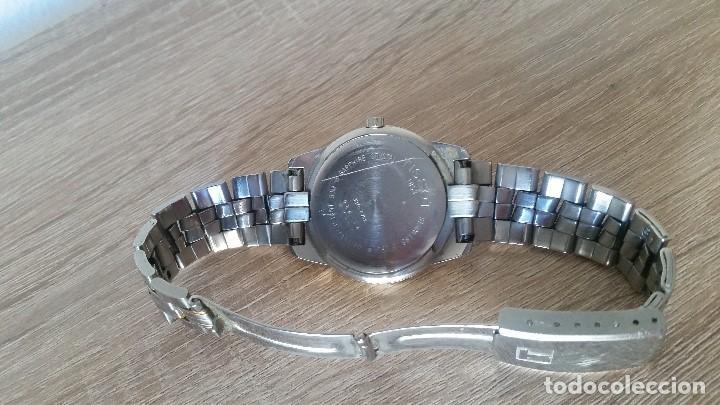Relojes - Tissot: RELOGIO TISSO COM CALENDARIO MAD SUIZA QUARTZ SLEADO TISSO1853 SAFIRE CRISTAL Q KK-JA 23904 - Foto 5 - 130698454