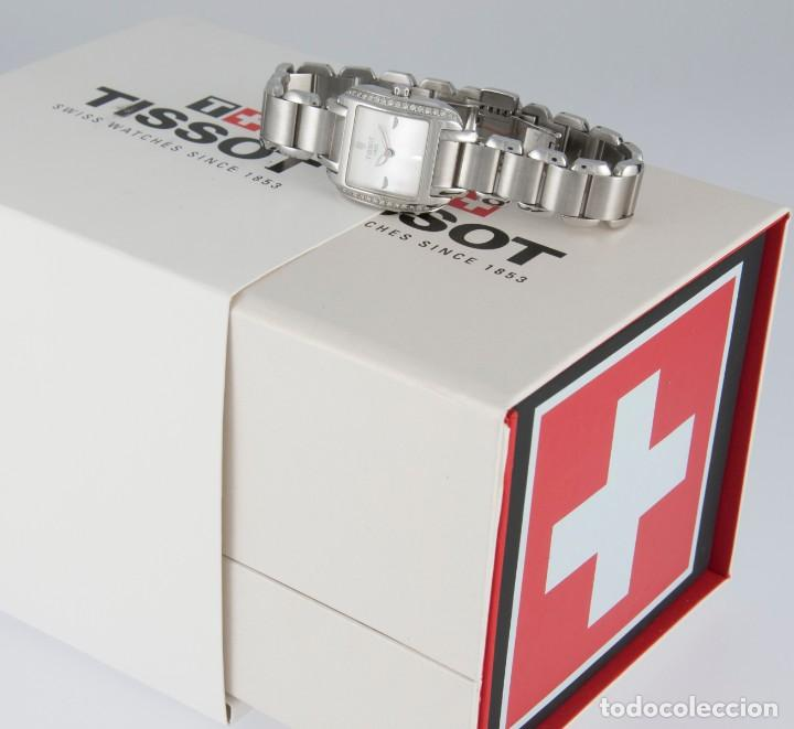 Relojes - Tissot: Tissot T-Wave Ladies Steel and Diamonds Square MOP Dial T02.1.385.82 NOS (New Old Stock) - Foto 3 - 217477193