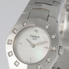 Relojes - Tissot: TISSOT T-ROUND STEEL AND DIAMONDS MOP DIAL QUARTZ 26MM T64.1.685.1. Lote 217487356