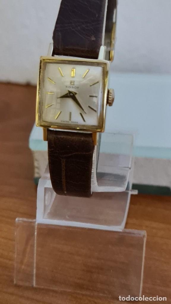 Relojes - Tissot: Reloj señora TISSOT de cuerda manual chapado de oro 20 micras, esfera blanca, correa de cuero marrón - Foto 2 - 243353510