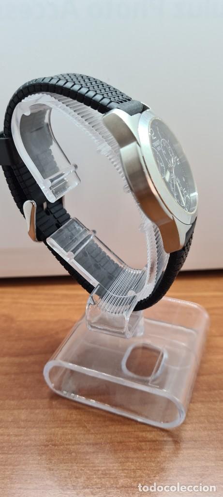 Relojes - Tissot: Reloj caballero (Vintage) Tissot de cuarzo Suizo acero, calendario cuatro, correa de goma negra nuev - Foto 10 - 253889025