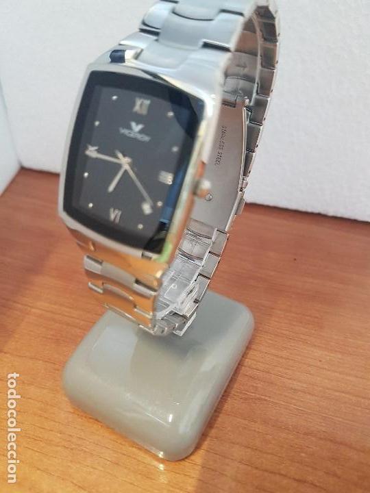 Relojes - Viceroy: Reloj caballero de cuarzo marca VICEROY esfera negra con calendario entre las 4 y 5 correa acero - Foto 2 - 133254514