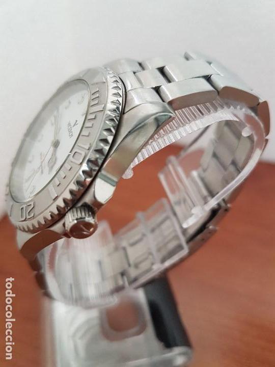 Relojes - Viceroy: Reloj caballero VICEROY de cuarzo con correa de acero original, esfera blanca, bisel giratorio - Foto 4 - 138607466