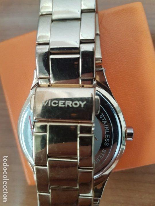 Relojes - Viceroy: Reloj unisex de cuarzo VICEROY chapado de oro con circonitas alrededor de la caja, correa VICEROY - Foto 16 - 178193475