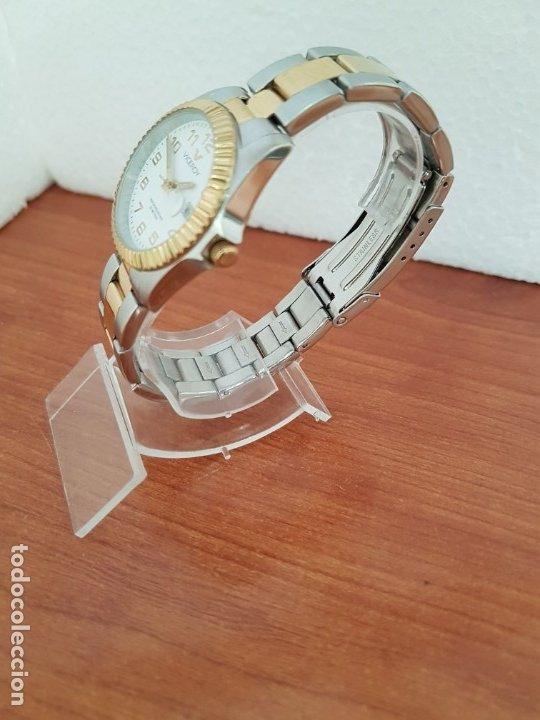Relojes - Viceroy: Reloj señora de cuarzo VICEROY, acero y chapado de oro, calendario a las tres, correa bicolor - Foto 4 - 178272995
