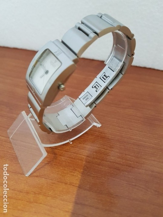 Relojes - Viceroy: Reloj de señora de cuarzo VICEROY en acero, esfera blanca, con correa original VICEROY - Foto 4 - 178445117