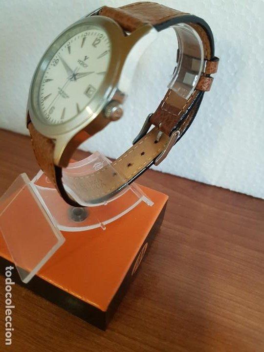 Relojes - Viceroy: Reloj caballero de cuarzo VICEROY en acero con calendario a las tres horas correa de cuero marrón - Foto 6 - 190828107