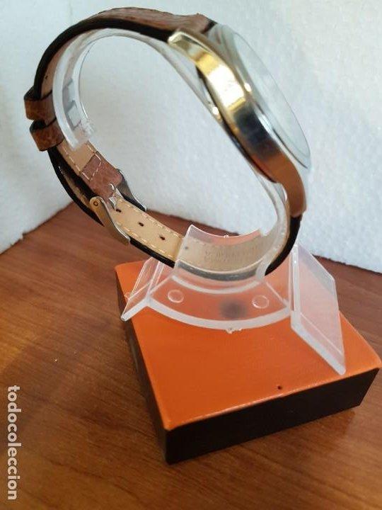Relojes - Viceroy: Reloj caballero de cuarzo VICEROY en acero con calendario a las tres horas correa de cuero marrón - Foto 8 - 190828107