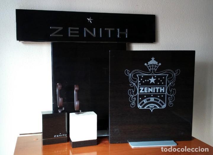 ESPECTACULAR EXPOSITOR OFICIAL DE RELOJES ZENITH. 2 TRASERAS + 2 TACOS CON SUS FLEJES. EL PRIMERO. (Relojes - Relojes Actuales - Zenith)