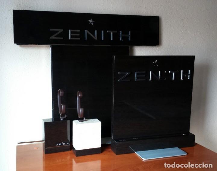 Relojes - Zenith: Espectacular expositor oficial de relojes Zenith. 2 traseras + 2 tacos con sus flejes. El primero. - Foto 4 - 153098158