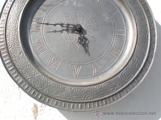 RELOJ DE PARED AUTOMATICO PLATO DE ESTAÑO (Relojes - Relojes Actuales - Otros)