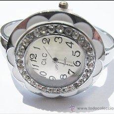 Relojes: BONITO RELOJ BRAZALETE EN FORMA DE FLOR CON CRISTALES DE SWAROVSKI (VER FOTOS). Lote 103172636