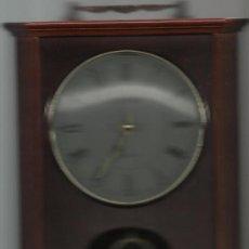 Relojes: RELOJ DE SOBREMESA MARCA FESTINA DE MADERA Y PENDULO DIMENSIONES SIN ASA 28 X 22 CM.. Lote 27076825