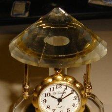 Relojes: RELOJ DE COLECCION AUTOMATICO DE METAL Y CRISTAL CON FORMA DE TIOVIVO. MARCA LE TEMPS, QUARTZ . Lote 30353076