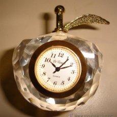 Relojes: RELOJ DE COLECCION AUTOMATICO DE METAL Y CRISTAL CON FORMA DE MANZANA. MARCA LE TEMPS, QUARTZ . Lote 30371562