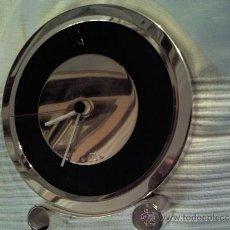 Relojes: CURIOSO RELOJ DE PIE DE PLATA (LAMINAS DE PLATA MUY GRUESAS). Lote 33517642